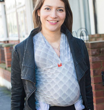 Babywearing In The Fourth Trimester - The Best Slings For Newborns